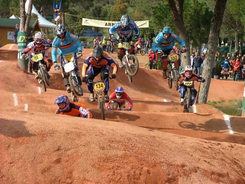 سباق دراجات البهلوان BMX بي ام اكس