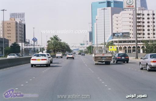 شوارع الرياض واسعة ومسارات متعددة