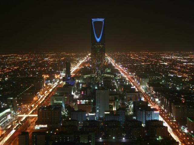 أضواء ومصابيح الرياض