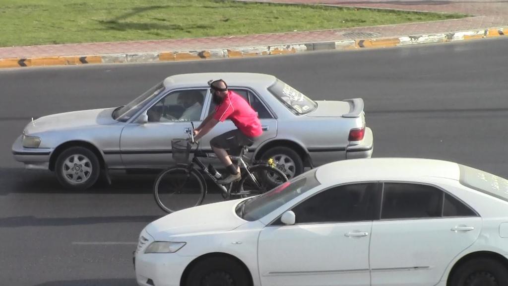 قيادة الدراجة الهوائية قيادة مركبة