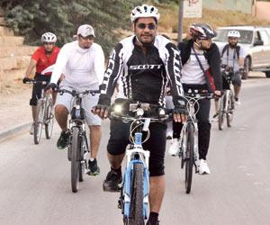 فريق دراجتي بقيادة عبدالله الوثلان