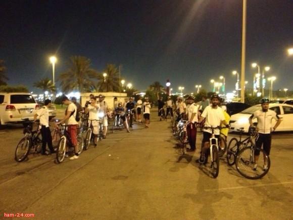 شباب دراجتي في الدمام