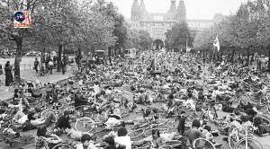 مظاهرة في هولندا ضد السيارات بإغلاق الشوارع بالأجساد