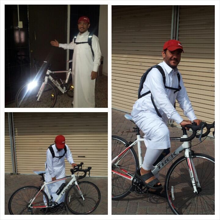 الشيخ أبو محمد يذهب لعمله بالدراجة