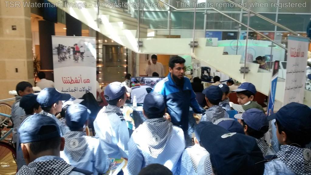 زيارة طلاب المدارس لمعرض الجاريات