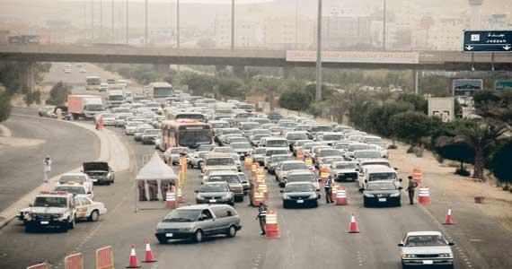منع دخول سيارات المعتمرين لمكة.